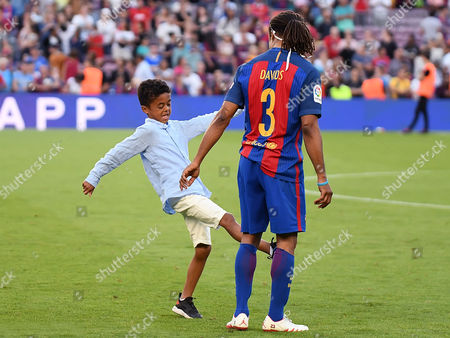Patrick Kluivert son played with Edgar Davids of FC Barcelona.