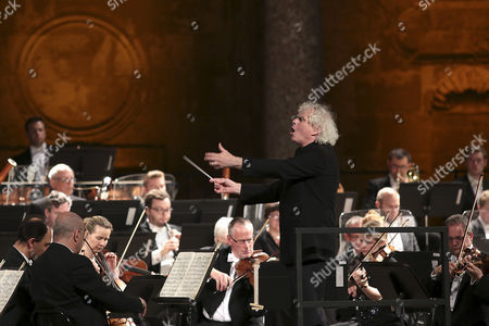 British orchestra director Simon Rattle and London Symphonic Orchestra perform a concert at the International Festival of Music and Dance in Granada, Spain, 02 July 2017.