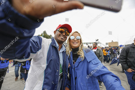 Fan and Claudia Leitte