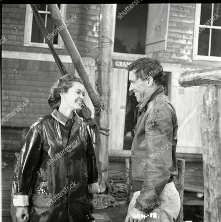 Betta St John (Joanna), William Sylvester (Alec Douglas)