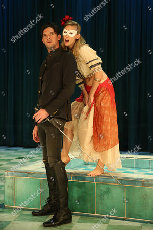 Stock Picture of Taylor Ferguson (Hellena) and Toby Schmitz (Willmore) perform a scene