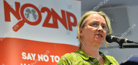Editorial photo of Scottish Government 'state Guardian' Plan For Children.- Lesley Scott Scottish Officer Tymes Trust Speaks At A No 2 Named People Campaign Group Meeting In Kilmarnock Ayrshire. Pic Bruce Adams / Copy Tweedie -18/5/16.