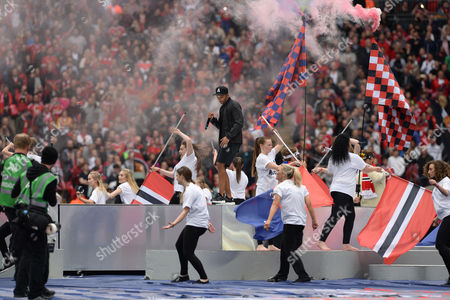 Football Fa Cup Final - Manchester United V Crystal Palace (2-1) - Wembley Stadium London. Pic Shows: Tiny Tempah Performs.