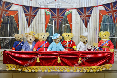Stock Image of A Tableau Of The Royal Family On Buckingham Palace Balcony L To R: Prince Harry Camilla Prince Charles The Queen Prince Phillip Kate Charlotte George And Prince William. Collection Of Teddy Bears From Broadcaster And Former MP Giles Brandreth Gifted To Newby Hall Ripon North Yorkshire In A New Permanent Exhibition.   24/5/16.