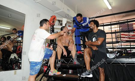 David Haye Is Invited By Joe Fournier Down To Miami 5th Street Gym Where Muhammad Ali Trained David Wore Ali T Shirt And Shorts In Respect Of The Late Fighter. David Chats With Joe Fournier Paulie Malignaggi And Dino Spencer.
