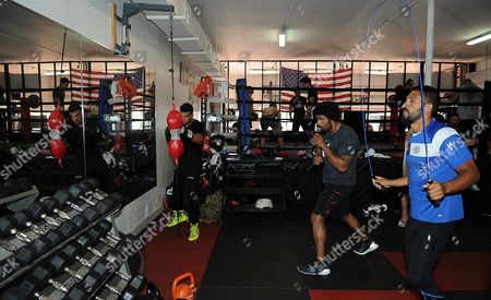Stock Image of David Haye Is Invited By Joe Fournier Down To Miami 5th Street Gym Where Muhammad Ali Trained David Wore Ali T Shirt And Shorts In Respect Of The Late Fighter. Th Fighters And Gym Members In Action.