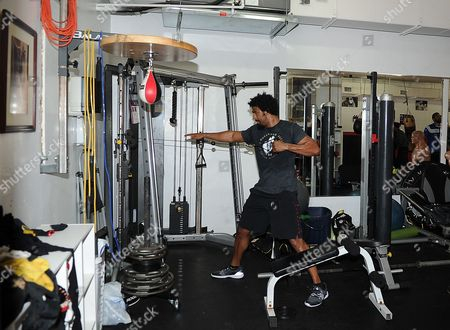 David Haye Is Invited By Joe Fournier Down To Miami 5th Street Gym Where Muhammad Ali Trained David In Action Wearing A Ali T Shirt And Shorts In Respect Of The Late Fighter.
