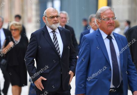 Stock Photo of Robert Hue arrives at the Versailles Palace for a special congress gathering both houses of parliament