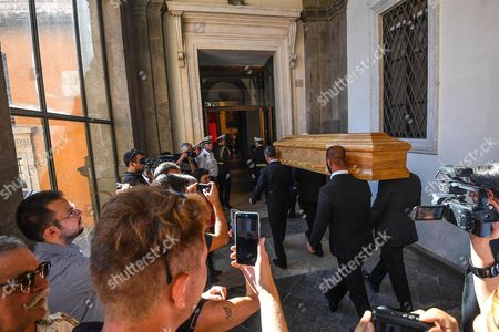 The coffin of Paolo Villaggio arrives at Rome's City Hall, where relatives and fans will pay their respects to the late Italian actor in Rome, Italy, 05 July 2017. A non-religious funeral will be held this afternoon at Rome's Casa del Cinema (Home of Cinema) center. Italian actor, writer and director Paolo Villaggio, one of the greatest of the Italian comedy, died at a Rome clinic on 03 July at the age of 84.