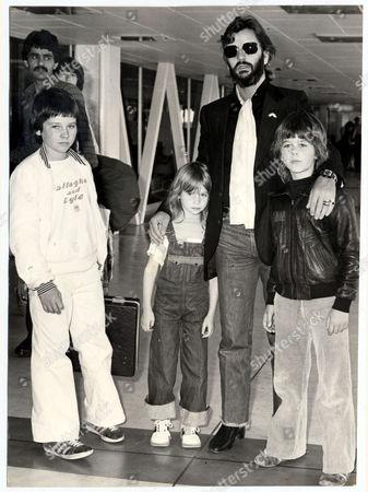 Ringo Starr Pictured With His Children (l-r) Zak Starkey Lee Starkey And Jason Starkey In Airport Terminal On Their Way To Los Angeles. 1977