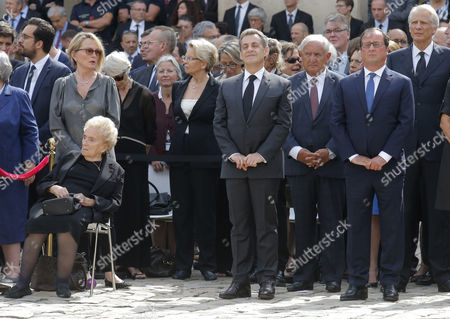 (L-R) The daughter of former French President Claude Chirac, her mother Bernadette Chirac, former French President Nicolas Sarkozy, former French Prime Minister Jean-Pierre Raffarin, French former President Francois Hollande and former French Prime Minister Dominique de Villepin, attend a solemn funeral ceremony for Simone Veil in Paris, France, 05 July 2017. Holocaust survivors are joining France?s president and European dignitaries at a special memorial ceremony for Simone Veil, who rose from the horrors of Nazi death camps to become president of the European Parliament and one of France?s most revered politicians.