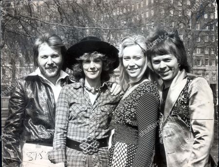 Pop Grouop Abba 1974 Pictured - The Swedish Pop Group Abba L To R - Benny Anderson Frida Lyngstad Anna Faitskog And Bjorn Ulvaeus....popgroups
