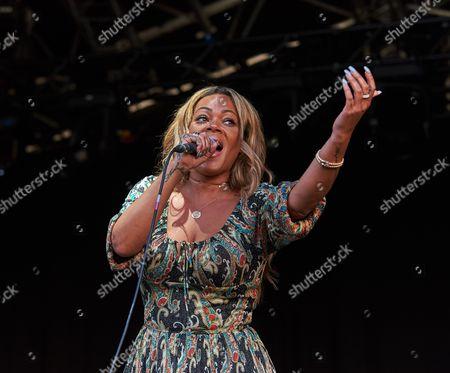 90's singer Shola Ama