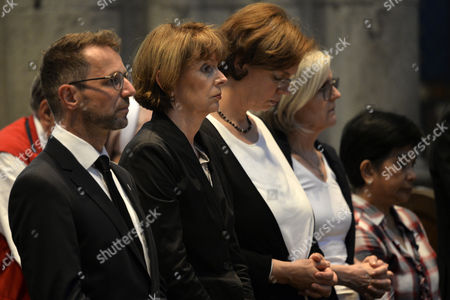 Mayor of Cologne Henriette Reker (2-L) attends the memorial service for former archbishop of Cologne, Joachim Meisner, in the Cathedral in Cologne, Germany, 05 July 2017. Meisner died in his sleep on 05 July 2017 while on holiday in the southern German town of Bad Fuessing, a spokesman for the Cologne archdiocese said. Cardinal Joachim Meisner was considered to be one of the most influential figures from the conservative wing of Germany's Catholic Church.