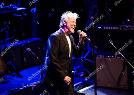 London United Kingdom - October 25: Vocalist Paul Young Performing Live On Stage As Part Of The 'evening For Jack Bruce' Tribute Concert At The O2 Shepherd's Bush Empire In London On October 25