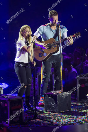 Coldplay / Chris Martin / Shakira
