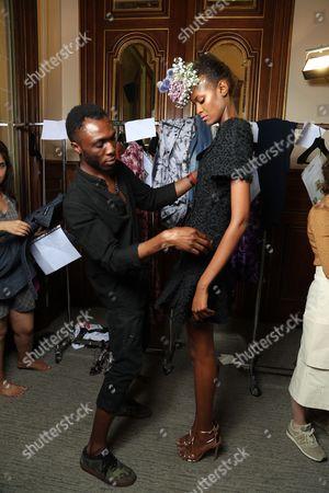 Imane Ayissi and model backstage