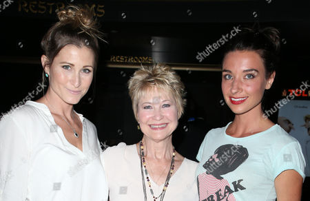 Gabrielle Stone, Dee Wallace, Cortney Palm