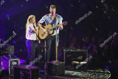 Stock Picture of Chris Martin (Coldplay) with Shakira