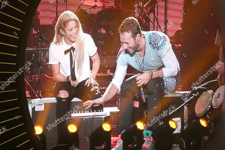Stock Image of Chris Martin (Coldplay) with Shakira