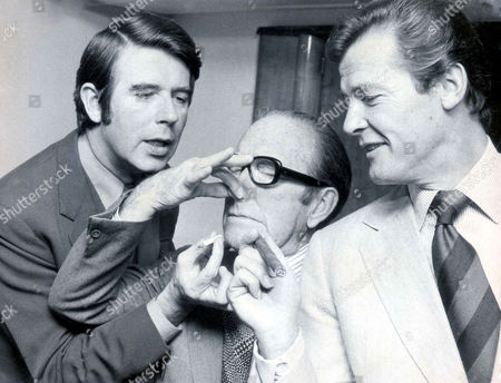 Leslie Crowther Arthur Askey And Roger Moore At A Savoy Lunch In 1974.