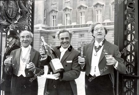 Peter Phillips November 1977 Harry Rabin Ivor Spencer And Bill Payne - Toastmasters - Outside Buckingham Palace After The Birth Of Master Peter Phillips. ...royalty