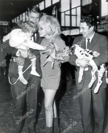 Jayne Mansfield And Alan Wells At London Airport May 1967. Dead 6/1967.