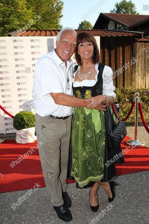 Franz Roth mit Lebensgefaehrtin Helena von Sarkozy,.