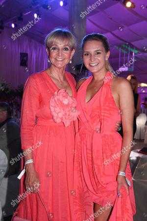 Christa Kinshofer mit Tochter Stephanie,.