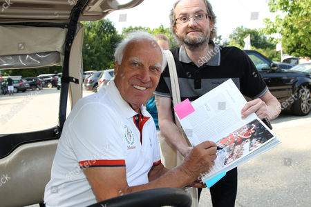 Franz Roth mit Fan,.