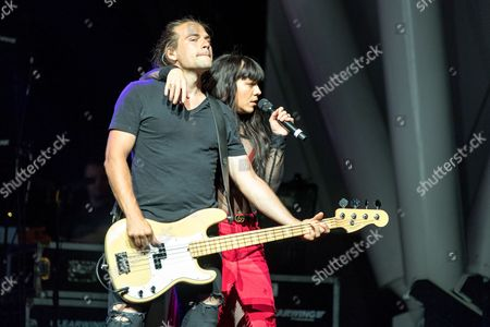 Stock Picture of The Band Perry - Reid Perry and Kimberly Perry