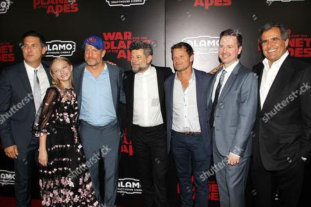 Stock Photo of Dylan Clark, Amiah Miller, Woody Harrelson, Andy Serkis, Steve Zahn, Matt Reeves, Peter Chernin