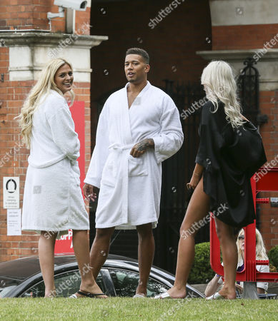 Stock Picture of Danielle Sellers, Simon Searles, Chyna Ellis filming on London's South Bank as part of 'This Morning'