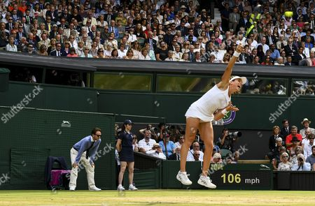 Virginia Wade (extreme left) and members of the royal box look as Johanna Konta (GBR) serves
