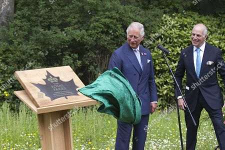 Prince Charles unveiling the Parks plaque with Loyd Grossman.