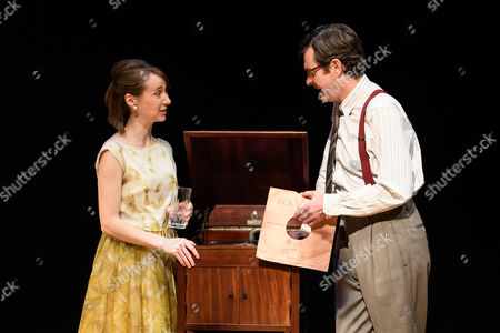 Bryony Hannah (Isabella), Paul Higgins (Basil)