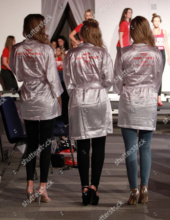 Stock Image of 32 Maisie Hobbs Miss Nottingham 2017 38 Olivia Green Miss Genting Stoke 2017 50 Zoe Dale Miss Manchester 2017
