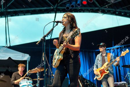 Patrick Carney performs with Michelle Branch