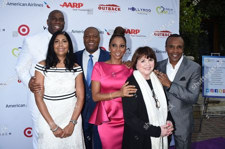 Holly Robinson Peete & Rodney Peete with Linda Ronstadt, Earvin ÒMagicÓ Johnson with Cookie Johnson and Sugar Ray Leonard