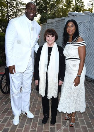 Linda Ronstadt with Magic Johnson with Cookie Johnson
