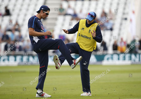England's Joe Root enjoys a joke with Alistair Cook