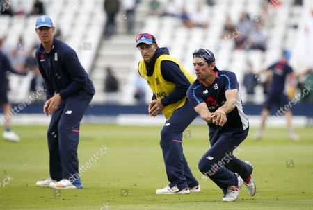 Englands Alistair Cook warms up with some slip catching practice