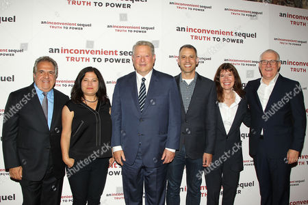 Jim Gianopulos (CEO; Paramount Pictures), Bonni Cohen (Co-Director), Al Gore, Jon Shenk (Co-Director), Diane Weyermann (Producer) and David Linde (CEO; Participant Media)