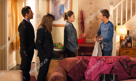 FROM ITV STRICT EMBARGO - No Use Before Tuesday 14 June 2016 Coronation Street - 8929 Friday 24 June 2016 - 1st Ep The police call at No.8 and take David Platt [JACK P SHAPHERD] in for questioning. Kylie Platt's [PAULA LANE] worried sick.