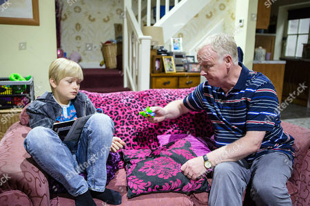 Ep 8975 Wednesday 24 August 2016 Offering to help Gail with the kids, Michael Rodwell, as played by Les Dennis, takes Max Turner, as played by Harry McDermott, to the Kabin. Whilst Michael pays for Max's comic, he clocks Max stealing a toy. Max explains to Michael that he took the toy as his Mum always used to buy him a present on Lily's birthday. Making Max promise he won't steal again, Michael agrees it can be their secret.