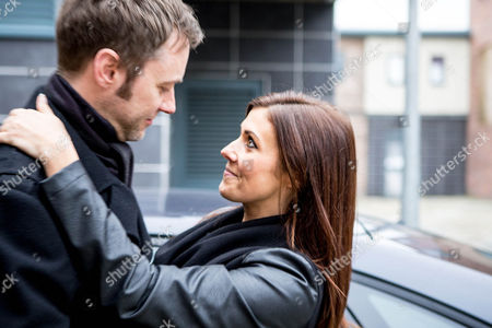 Ep 8557 Monday 19 January 2015 - 1st Ep Andrea can't find a driver to take the factory girls to the awards ceremony, Steve volunteers - hurt after seeing Michelle Connor, as played by Kym Marsh, kissing Hamish, as played by James Redmond,