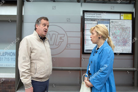 Ep 8662 Monday 15 June 2015 - 2nd Ep Brian Packham, as played by Peter Gunn, returns to the street informing Ken he's jacked in his job in Wales in the hope to win back Julie. Brian makes an attempt to plead with Julie Carp, as played by Katy Cavanagh, that they are destined to be together but he's left deflated when she tells him that she's now with Dev. What's next for Brian on the street?