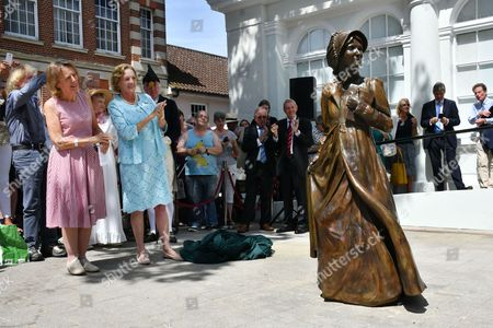 Claire Tomalin, Countess of Portsmouth, Jane Austen sculpture