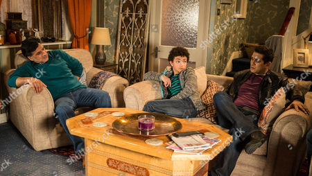 Ep 8598 Monday 16 March 2015 - 2nd Ep Sharif Nazir, as played by Marc Anwar, pretends he's put his back out and asks Kal Nazir, as played by Jimi Mistry, and Zeedan to read the chickens their bedtime story Simon Barlow, as played by Alex Bain, is in on the wind up. Will they realise Sharif is winding them up?