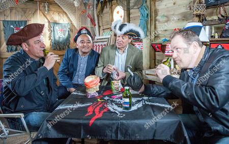 Ep 7528 Tuesday 14 June 2016  Ashley Thomas, as played by John Middleton, and Dan Spencer, as played by Liam Fox, plan another poker night in the pirate ship whilst Arthur Thomas, as played by Alfie Clark, tells Lady Amelia Spencer, as played by Daisy Campbell, and April Windsor, as played by Amelia Flanaghan, about his plan to get rid of the ghosts. That night, Arthur, Amelia and April burst in on the poker game ?Ghostbuster style? as Arthur's dust buster suckers onto Dan's neck. Aprils takes photos as evidence and Jimmy offers to pay Amelia to keep quiet but how will Dan explain his 'love mark' to Kerry?